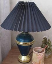 Продаётся настольная лампа